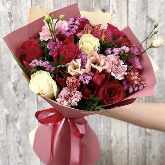 Клубничное варенье - сборный букет: букеты цветов на заказ Flowwow