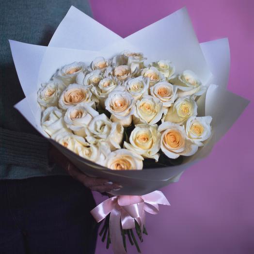 25 роз сорта Creme de la Creme: букеты цветов на заказ Flowwow