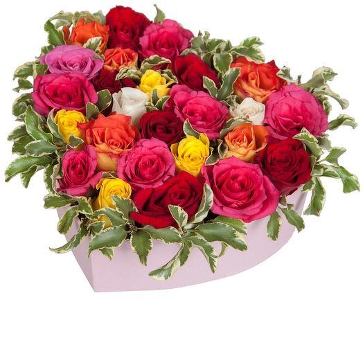 """Сердце из роз """"Яркие грёзы"""": букеты цветов на заказ Flowwow"""
