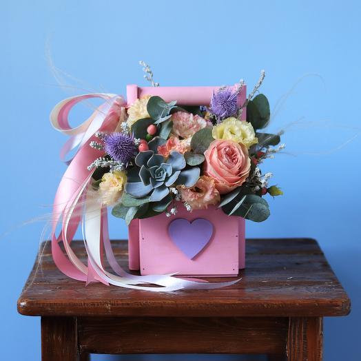 Цветочный бокс с суккулентом: букеты цветов на заказ Flowwow