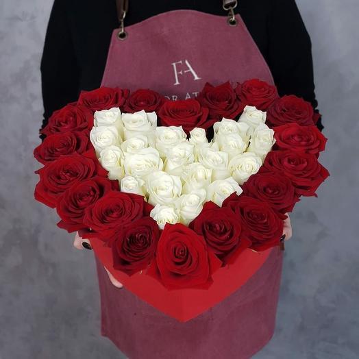 Коробка шляпная 34: букеты цветов на заказ Flowwow