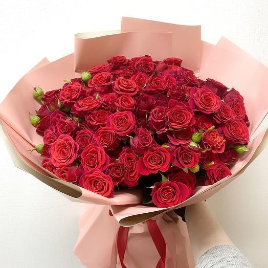 Букет из 29 красных кустовых роз (40 см )