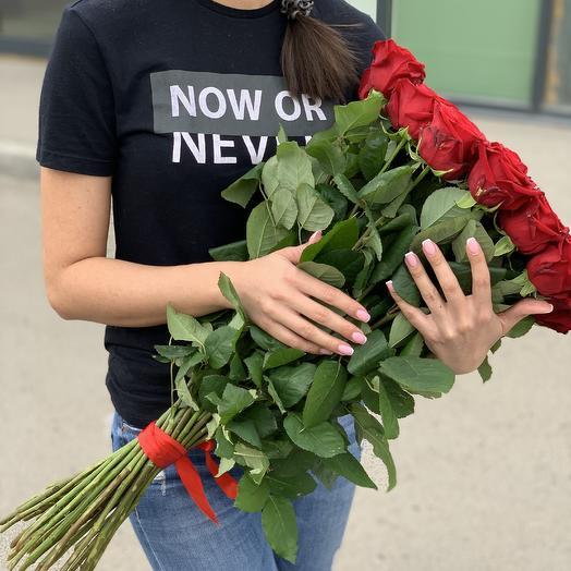 Букет из 33 высоких роз
