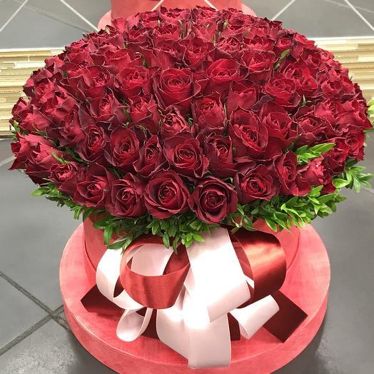 Коробка Классическая из 107 Роз: букеты цветов на заказ Flowwow