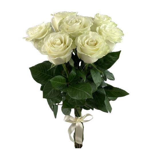 7 белых роз Mondial 60 см