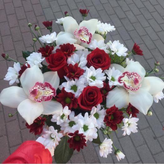 Орхидеи с розами в коробочке🌿