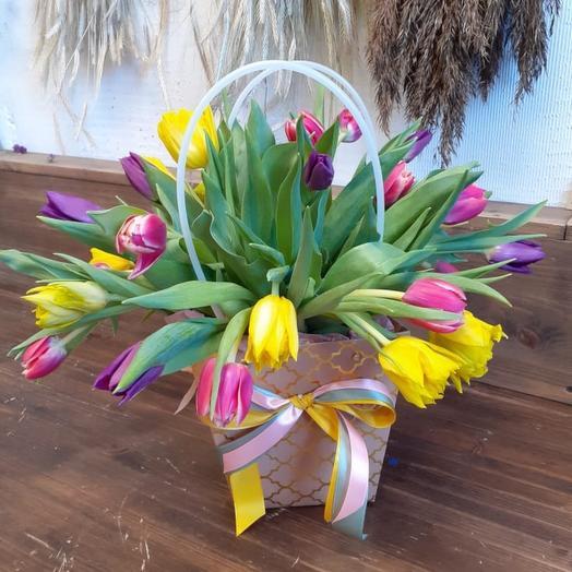 Микс весенний из тюльпанов