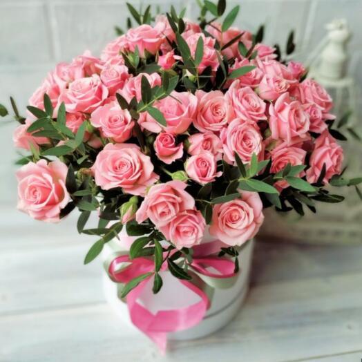 Цветы в коробке Лидия