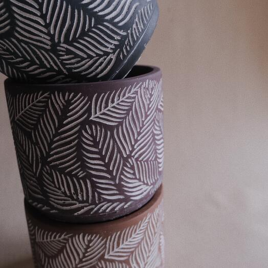 Керамическое кашпо. Цвет: темно-коиичневый