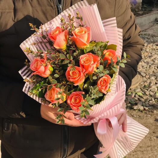 Букет из 9 роз мисс Пигги