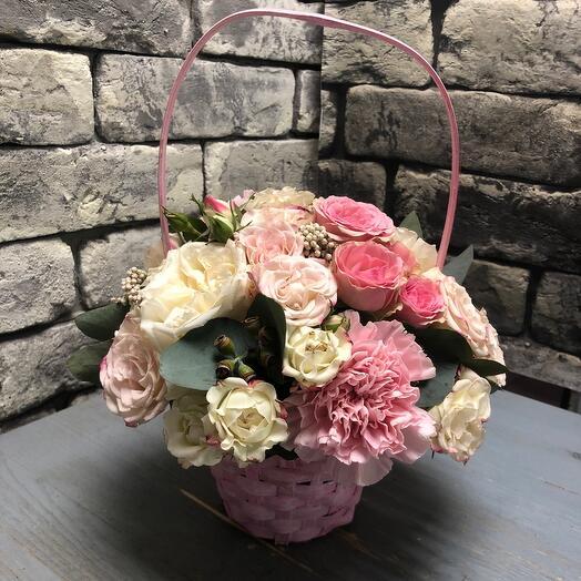 Корзина с цветами Комплимент