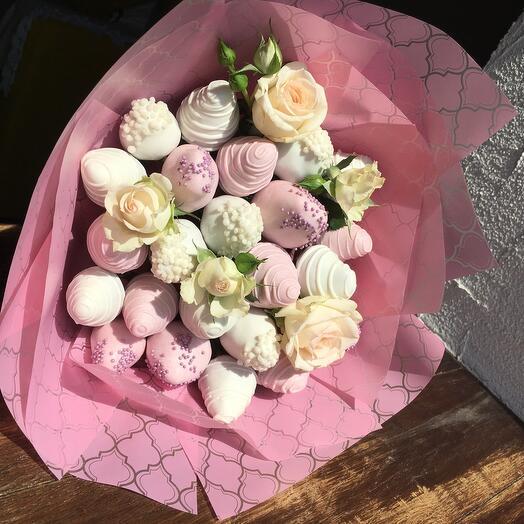 Букет из клубники  «Розовое облако»