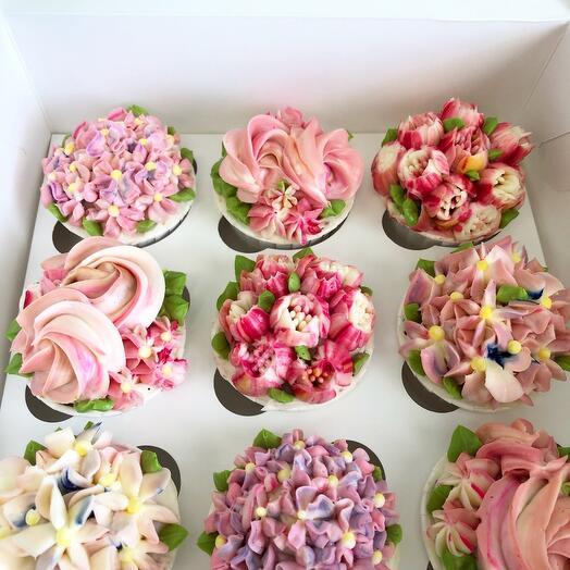 Ванильные капкейки В розовом