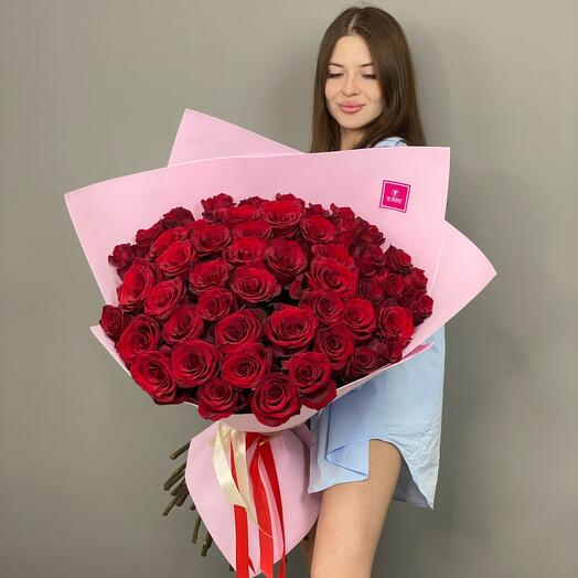 Giant bouquet of red roses