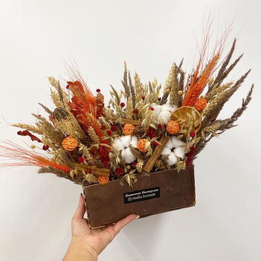 Ящик с сухоцветами
