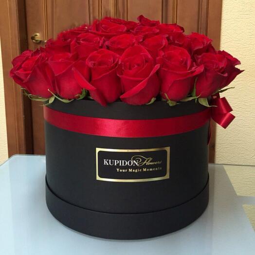 Шляпная коробка на 51 розу