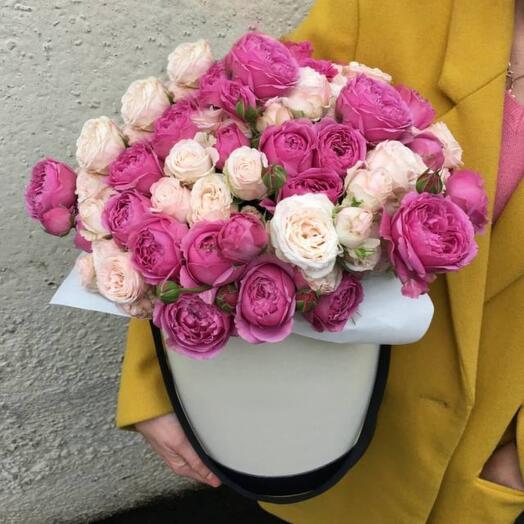 """Коробка с пионовидними розами """" Мисти"""""""