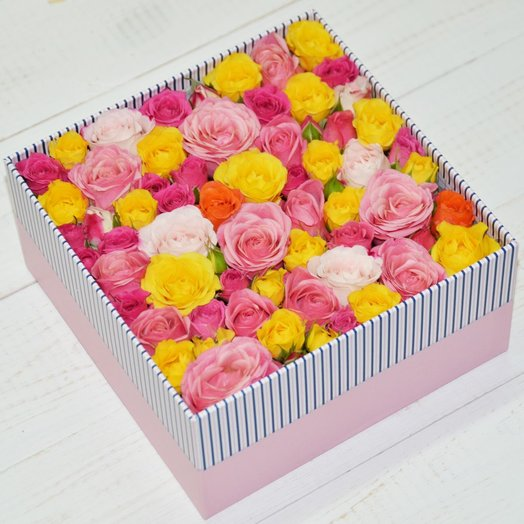 "Box with roses ""Present"": flowers to order Flowwow"