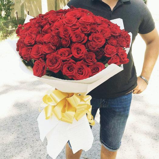 Букет в красных Тонах: букеты цветов на заказ Flowwow