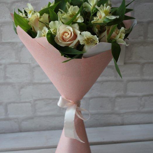 Букет из альстромерии и розы.: букеты цветов на заказ Flowwow