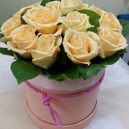 Коробочка из 15 кремовых роз: букеты цветов на заказ Flowwow