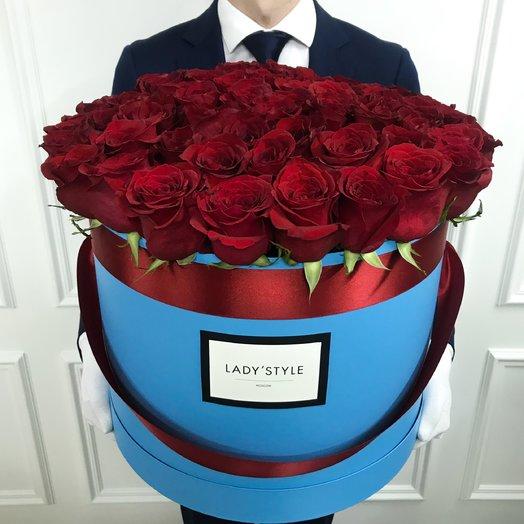 Эквадорские розы в шляпной коробке размера Maxi: букеты цветов на заказ Flowwow