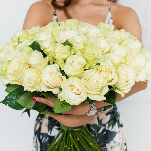 51 белая роза Mondial: букеты цветов на заказ Flowwow