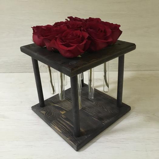 Красный квадрат: букеты цветов на заказ Flowwow