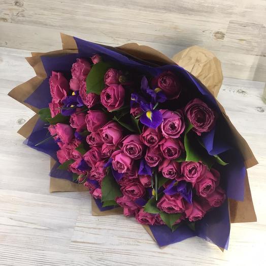 Букет из ирисов и мисти баблс: букеты цветов на заказ Flowwow