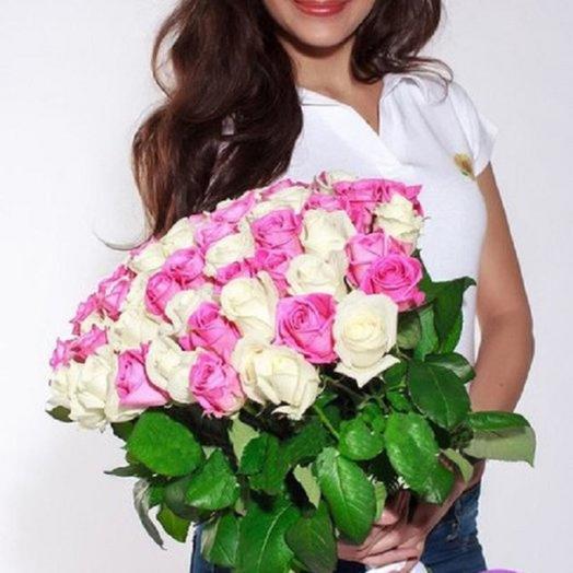 Букет из 51 белой и розовой розы: букеты цветов на заказ Flowwow