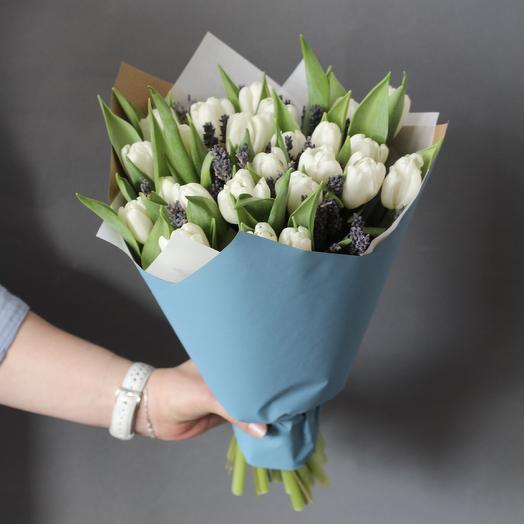 Тюльпаны с лавандой: букеты цветов на заказ Flowwow
