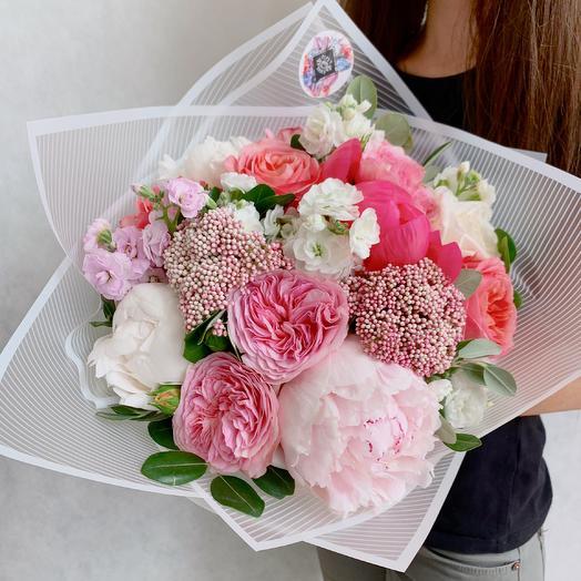 «Клубничное суфле»: букеты цветов на заказ Flowwow