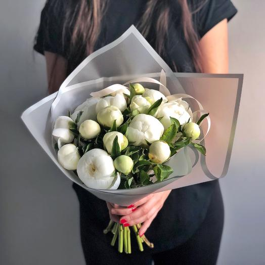 Букет Белых Пионов: букеты цветов на заказ Flowwow