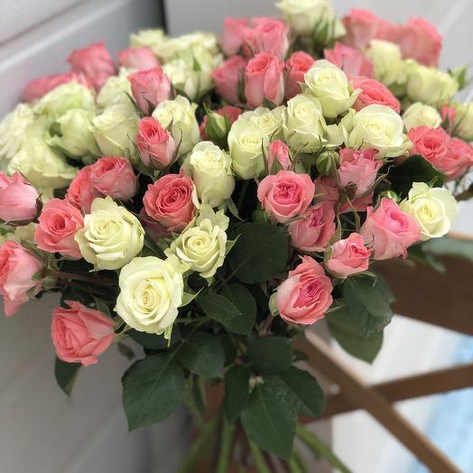 Букетик из кустовых роз