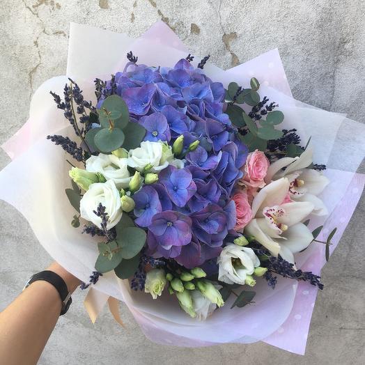 Прекрасный букет с гортензией: букеты цветов на заказ Flowwow