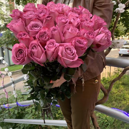 Ароматная охапка роз эквадор 80см по лучшей цене дня: букеты цветов на заказ Flowwow