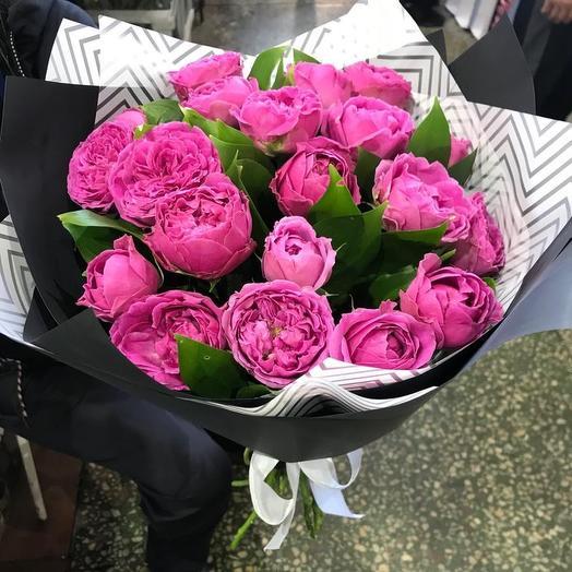Букет  из пионововыдных роз: букеты цветов на заказ Flowwow