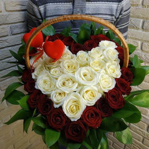 Белое сердце: букеты цветов на заказ Flowwow