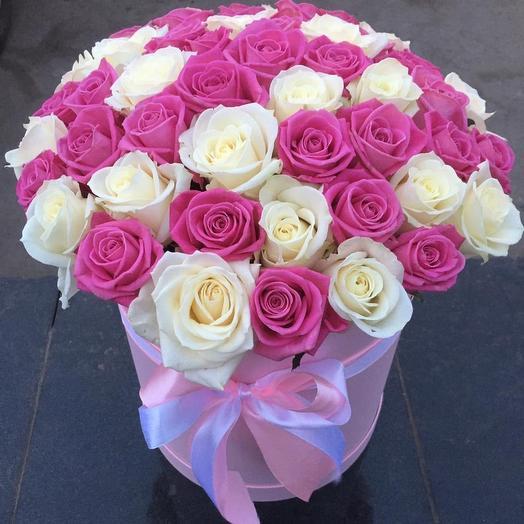 51 Роза в нежной шляпной коробочке: букеты цветов на заказ Flowwow