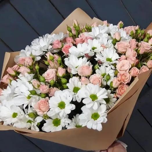 Букет из роз и хризантем