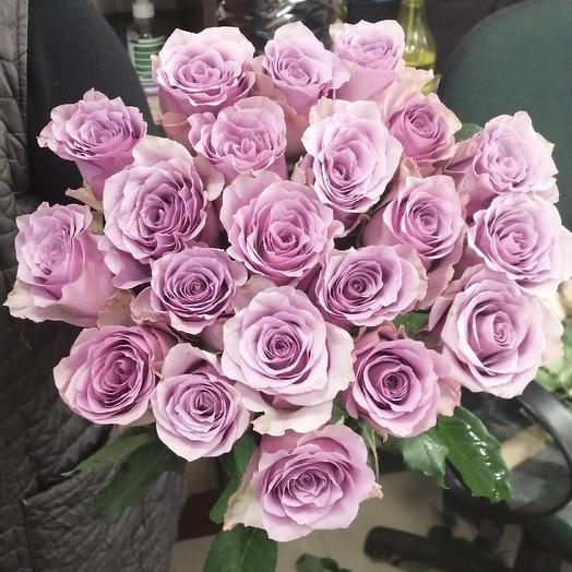 21 роза снежная Королева