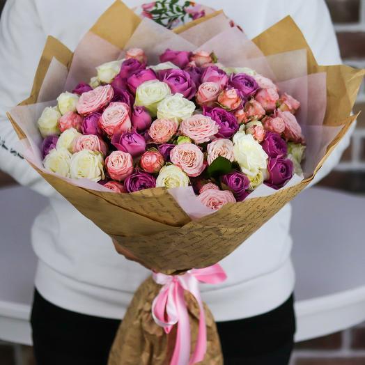 Букет из 25 кустовых пионовидных роз (микс). N743