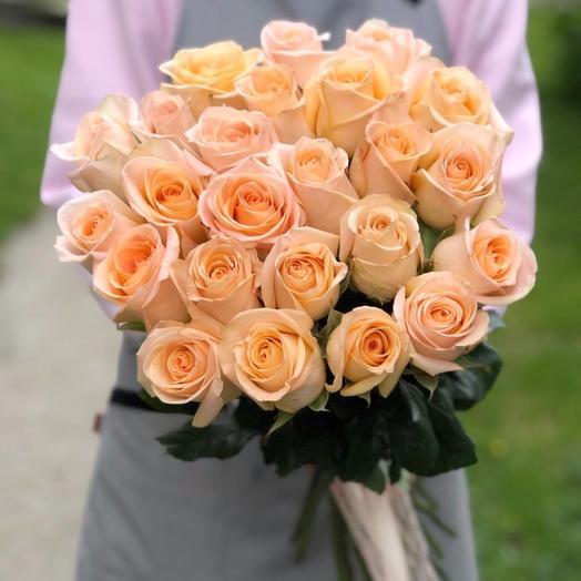 25 peach roses