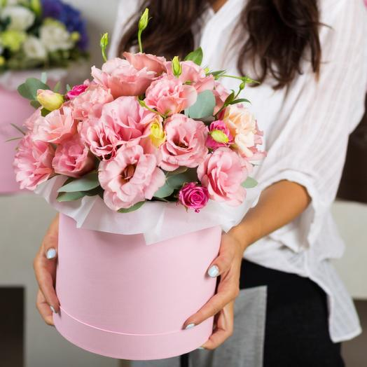 Коробочка Розовая жемчужина с эустомой