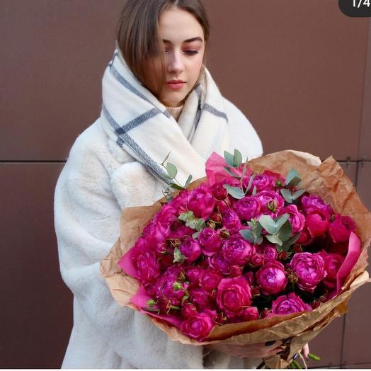 Букет с розой Рич Баблс и эвкалиптом