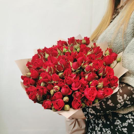 """Букет """"Каберне 25"""" из красных кустовых роз"""