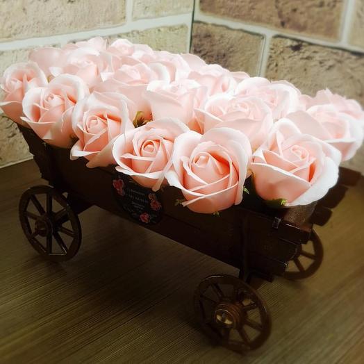 Телега с ароматными розами из мыла