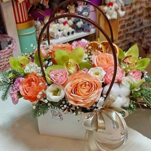 Сумочка с пионовидными розами+орхидеи