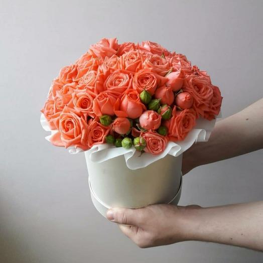 """Коробка""""15 коралловых кустовых роз"""""""
