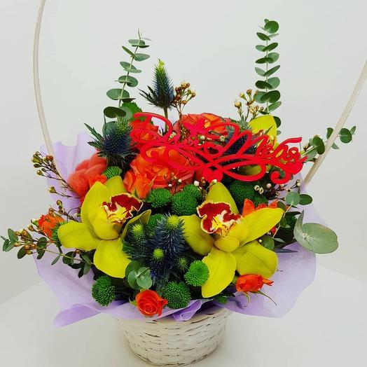 Корзина с  розой и орхидеями